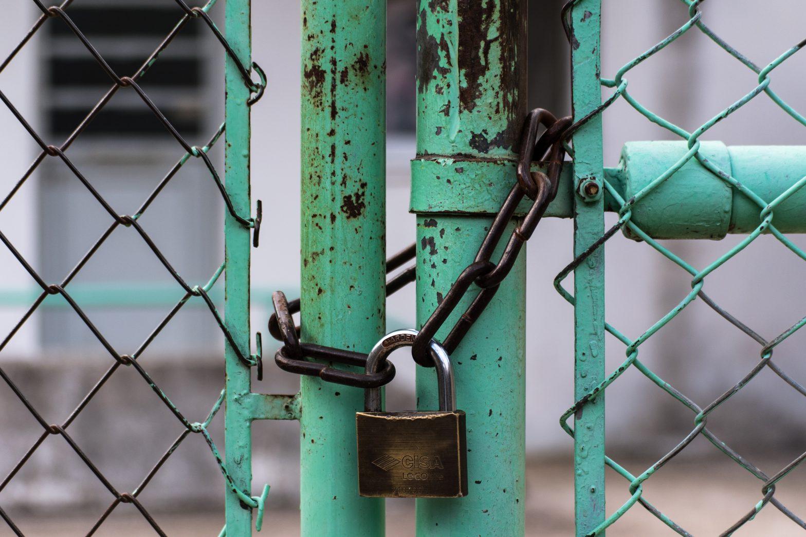 Padlock gate